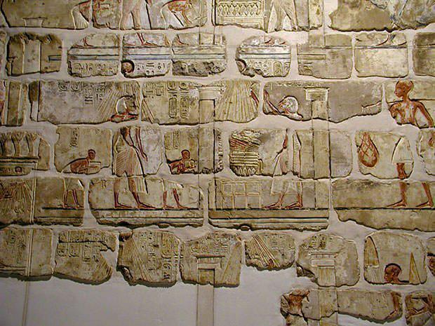 Реконструированы настенные украшения из храма Аменхотепа IV в Карнаке.