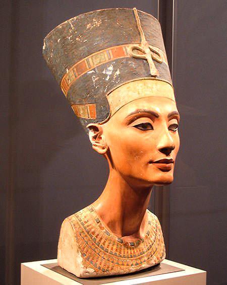 Знаменитый бюст Нефертити
