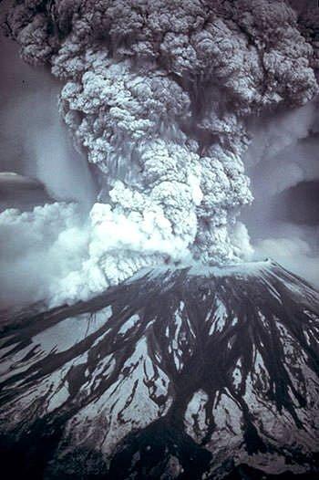USGS Фотография горы Святой Елены 18 мая 1980 года.