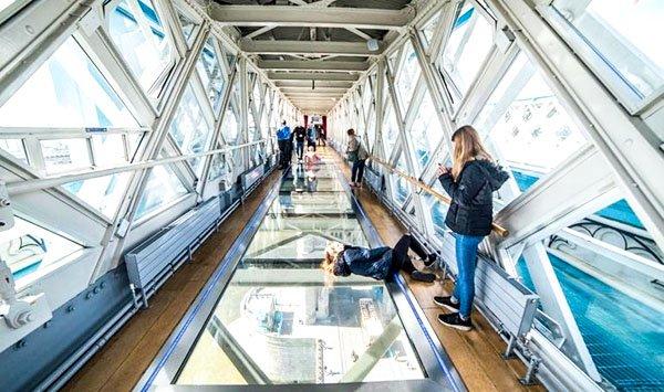 Пешеходные дорожки высокого уровня Тауэрского моста
