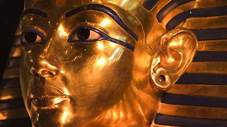 золотая маска фараона золото