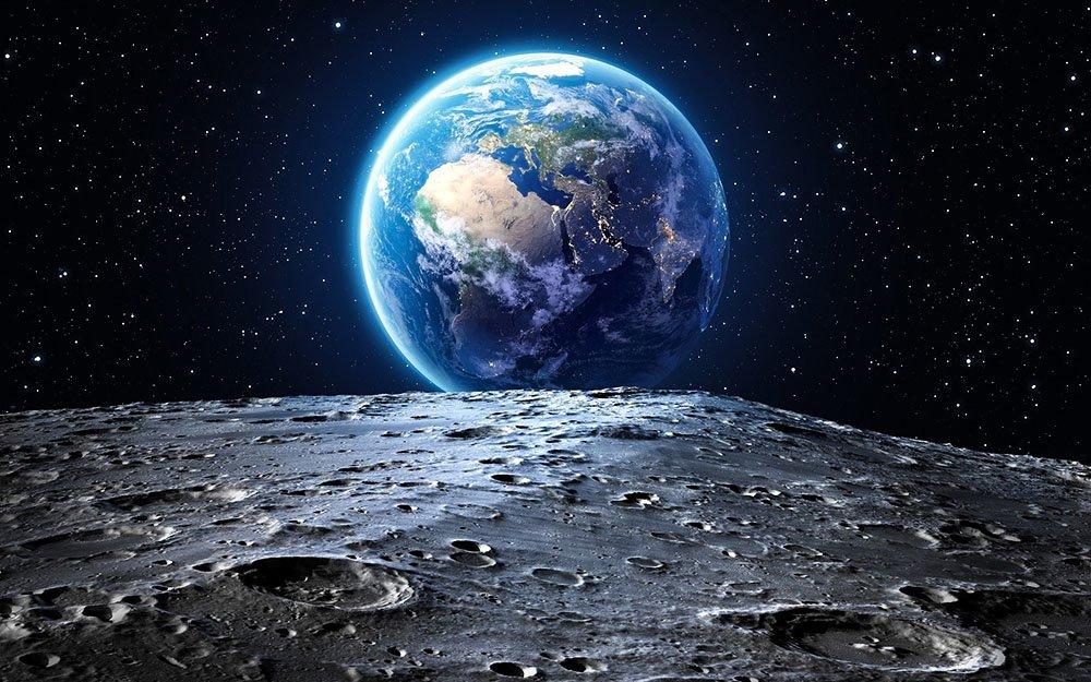 Снимок планеты Земля с Луны