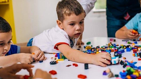 Отличия ЗПР и алалии от аутизма социальное взаимодействие