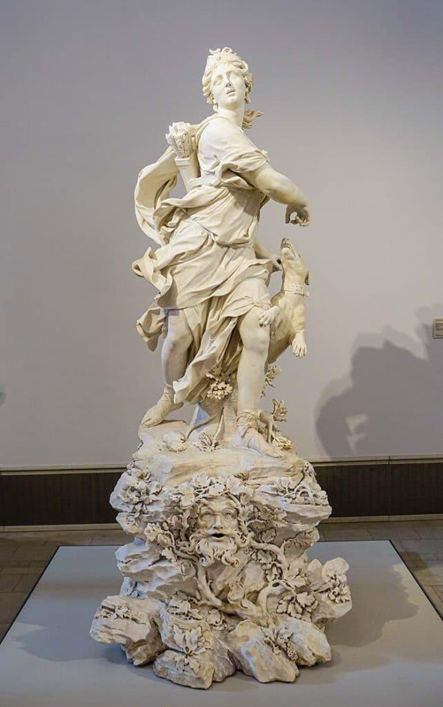 Римская богиня Диана как охотница (1720) - Статуя Бернардино Каметти Артемида
