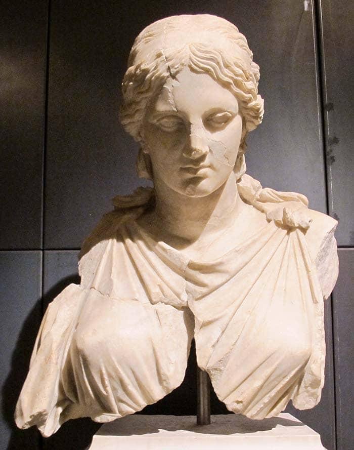 Римская копия Статуи Артемиды Kephisodotos
