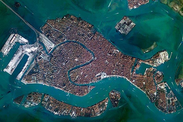 S-образный Большой канал в Венеции