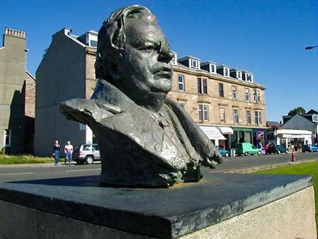 Статуя Джона Логи Бэрда в Хеленсбурге