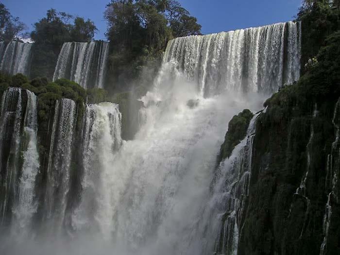 Водопад Игуасу | 10 интересных фактов о знаменитом водопаде