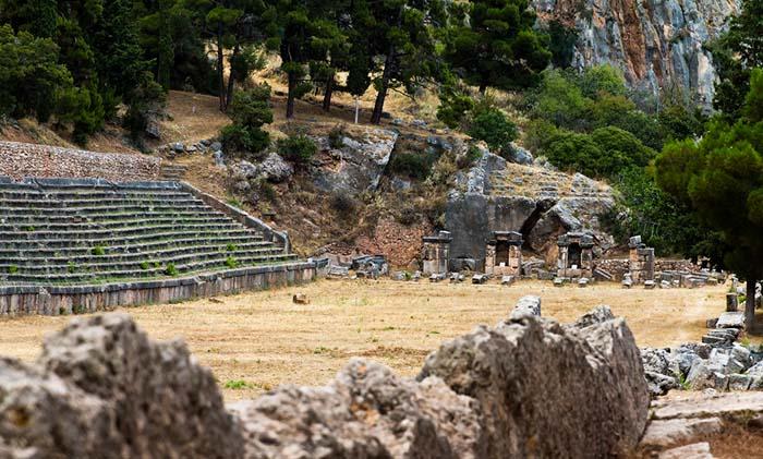 Вид на стадион святилища Дельфы, используемого для Пифийских игр