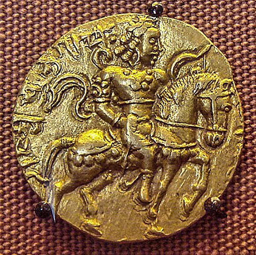 Золотая монета 8 г с изображением Чандрагупты Викрамадитьи